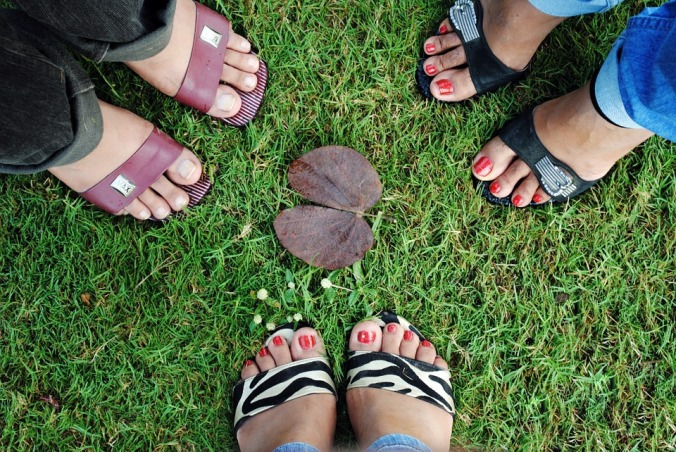foots-73310_960_720