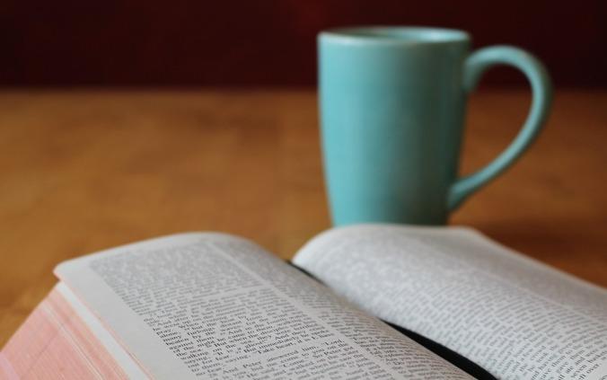 bible-896222_960_720a