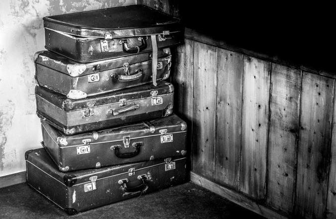 suitcases-2525193_960_720